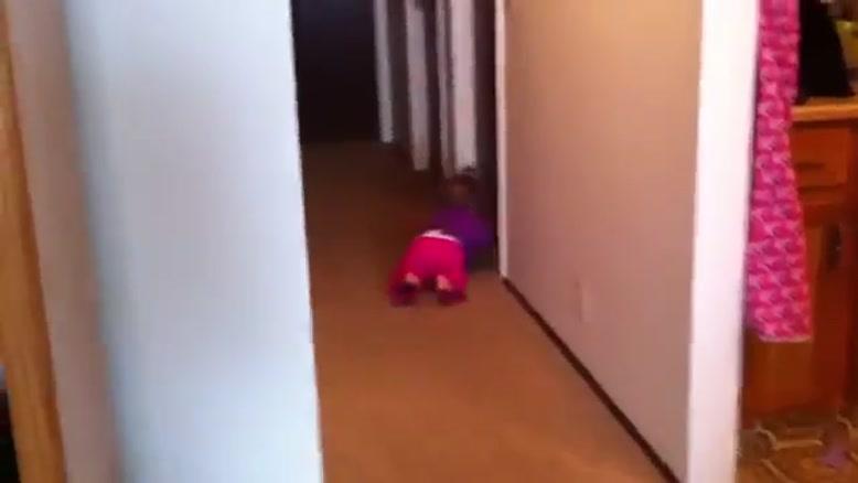واکنش کودک به اصلاح صورت پدرش