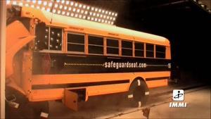 تست تصادف اتوبوس مدرسه