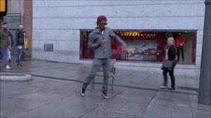 رقص پیج و مهره ای در خیابان