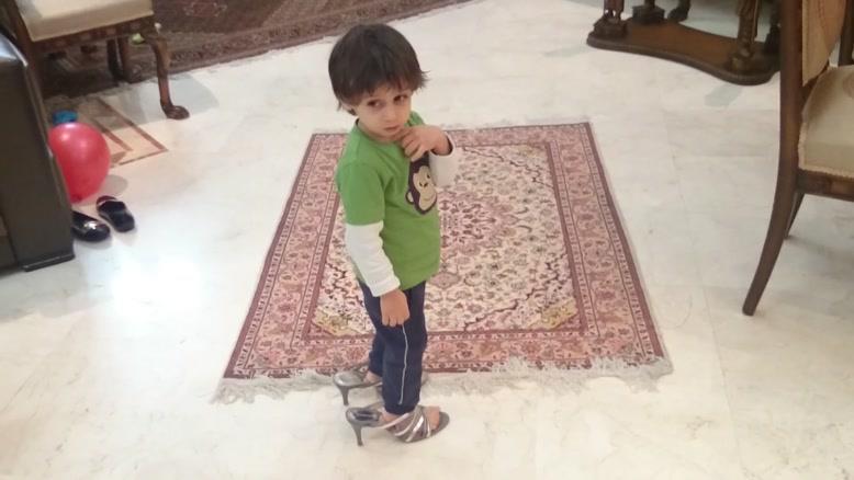 سامیار و کفش پاشنه بلند