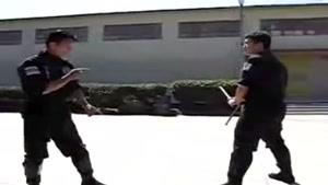 آموزش دفاع در برابر باتوم