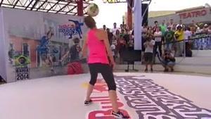 حرکات نمایشی با توپ