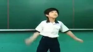 رقصیدن تو کلاس درس با آهنگ gangestar