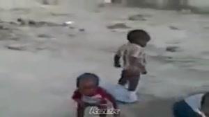 کودک علاقمند به توپ