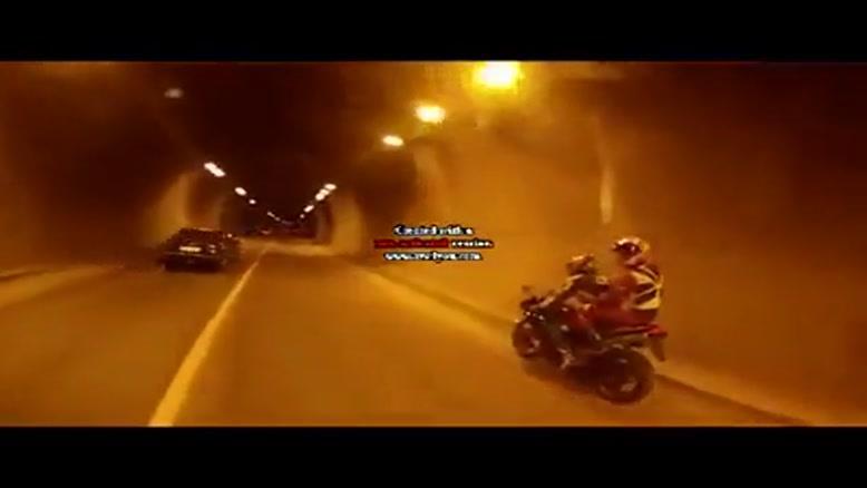 سرعت ۲۸۰ کیلومتر در ساعت با موتور سیکلت