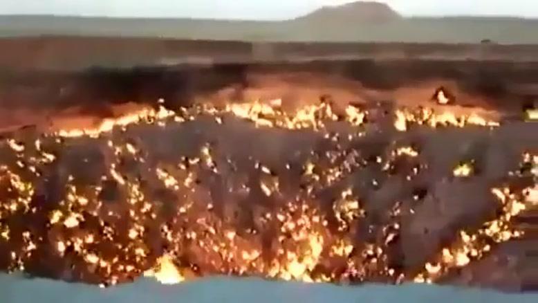دروازه جهنم جایی دیدنی در ترکمنستان