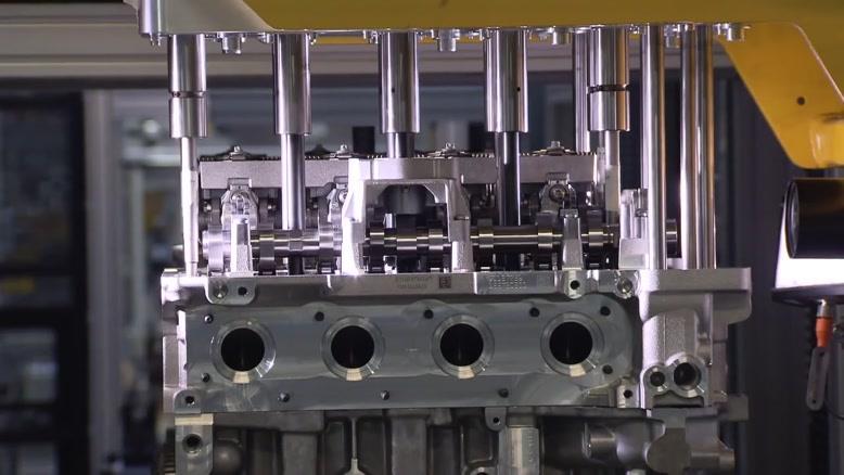 مراحل ساخت موتور بی ام و BMW