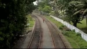 کم بود قطار لهش کنه