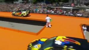 مسابقه ی بک فلیپ با ماشین
