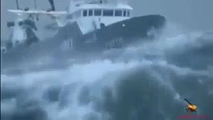 شیش ویدیو برتر از سوانح طوفان زدگی کشتی در دریا