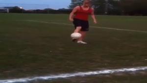 هنر یک زن فوتبالیست