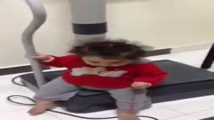 ویبره رفتن بچه