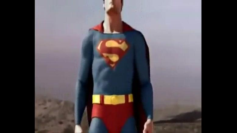 مبارزه هالک و سوپرمن