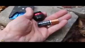 روشن کردن آتش به وسیله کاغذ آدامس و باتری