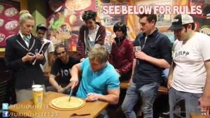 رکورد گینس در خوردن پیتزا