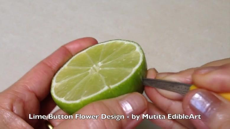 تزیین لیمو به شکل گل