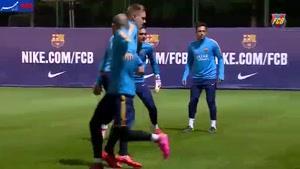 فیلم/ لیونل مسی در تمرینات گروهی تیم فوتبال بارسلونا