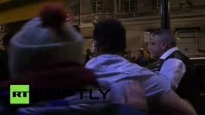 فیلم/ واکنش مردم انگلیس به مشارکت لندن در حمله به سوریه