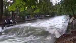موج سواری تو رودخونه