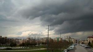 ابری با حالت عجیب در آسمان تهران