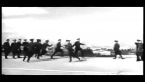 رقص دسته جمعی سربازان !!!