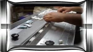 دستگاه بسته بندی قند و بسته بندی خرما ۰۳۱۳۵۳۱۰۳۱۴