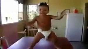 بچه رقاص