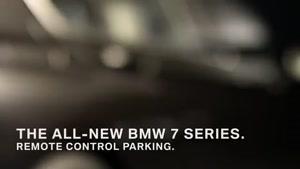 پارک کردن سری ۷ بی.ام.و با کنترل از راه دور
