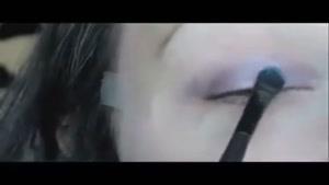آموزش آرایش براق آبی چشم