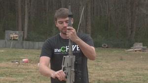 صحنه آهسته و جلوه های زیبا از تیر اندازی با اسلحه