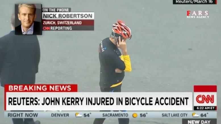 جان کری در حال دوچرخهسواری