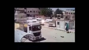 لحظه ورود خودروی بمب گذاری شده از ترکیه به سوریه