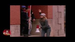 دوربین مخفی سر دسته شورش خیابانی!