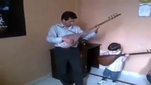 نوازنده ی کوچک آذربایجانی