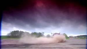 قدرت و محکمی بنز در مقابل ماشین هیولا