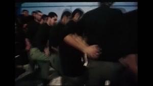 رقص دسته جمعی سربازان به طور کردی