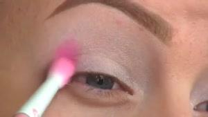 آرایش چشم-مدل پاپیونی