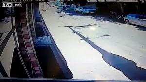 تلاش ناموفق دزد در روز روشن