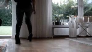راه رفتن کفش عجیب