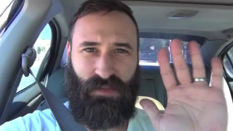 تایم لپس رشد ریش و سیبیل در ۳۶۵ روز