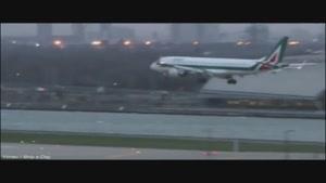 خلبانی که هواپیما را از سقوط نجات داد
