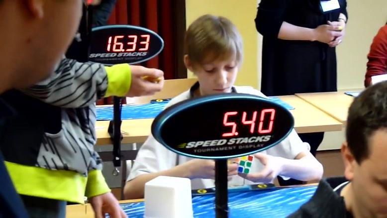 حل مکعب روبیک در کمتر از ۱۹ ثانیه
