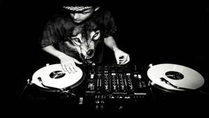 DMC Champion DJ Rafik Performs on Traktor Scratch Pro
