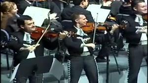 اجرای زنده یک اهنگ ماریچی