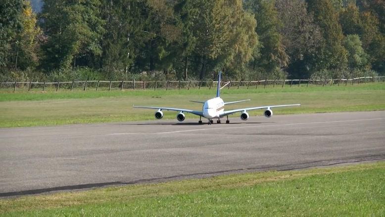 بزرگترین هواپیمای کنترلی a۳۸۰