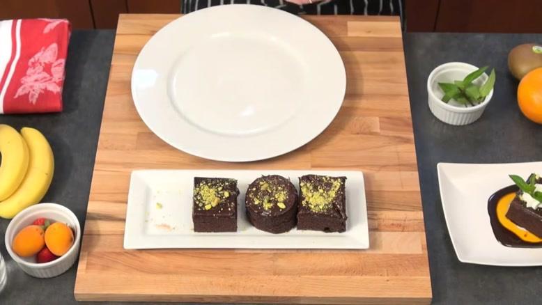 اموزش دیزاین بشقاب دسر کیک شکلاتی