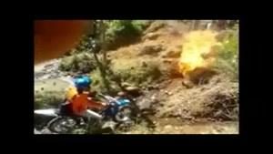 آتش گرفتن موتور سوار هنگام مسابقه