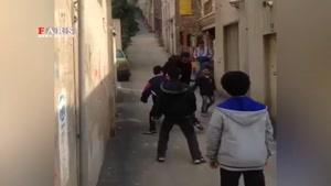 فوتبال زندهیاد اولادی با کودکان