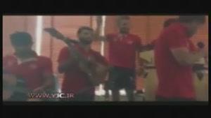 نوازندگی و خوانندگی بازیکنان پرسپولیس به سبک جناب خان در مهمانی خصوصی