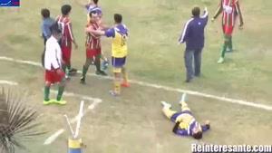 فیلم/ مرگ دلخراش بازیکن آرژانتینی در جریان بازی